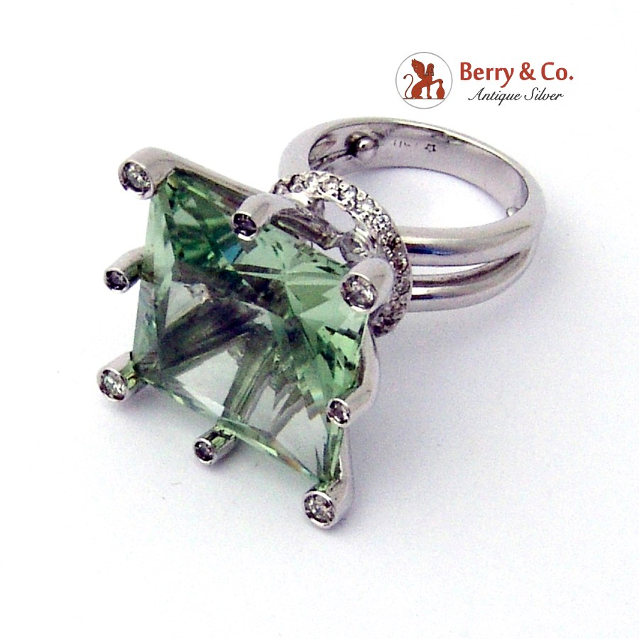 Dazzling Cocktail Ring 750 18K White Gold Diamonds Bluish Green Faceted Center Stone 1980