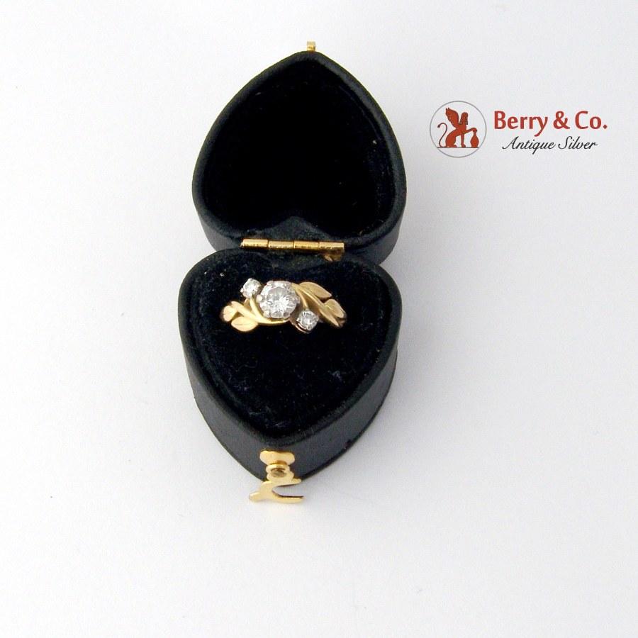 Ornate Floral Ring 18 K Gold Diamonds