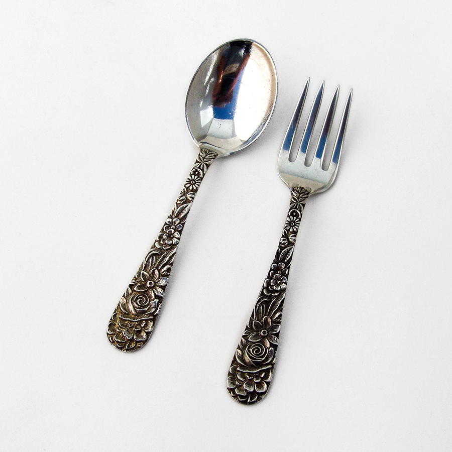 """~ REPOUSSE ~ NO MONO S KIRK /& SON STERLING 7 7//8/"""" FORK S"""