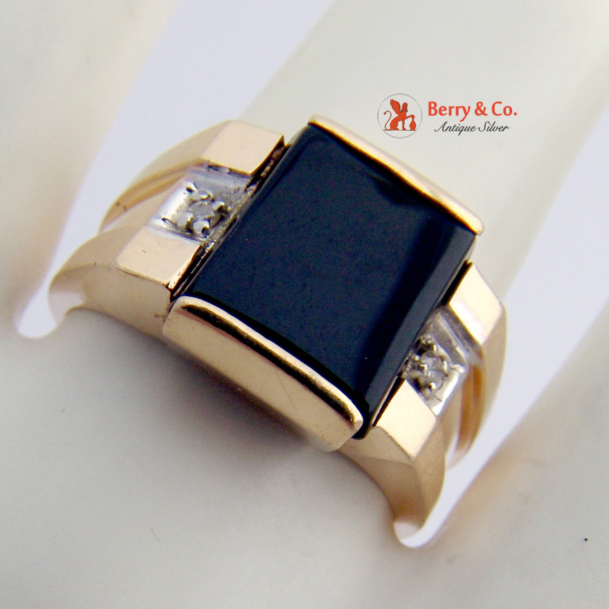 Vintage Retro Mans Ring Onyx 14 K Gold Diamond Accents