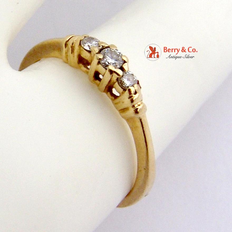 Diamond Engagement Ring 14 K Gold 3 Small Diamonds