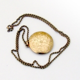 Vintage Round Locket Pendant Engraved Decorations 10 K Gold