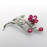 Vintage Flower Design Brooch Rubies 14 K White Gold Diamonds