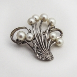 .Japanese Cultured Pearl Ribbon Brooch Sterling Silver
