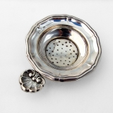 .Italian Tea Strainer Shell Tab Handle 800 Silver 1940s