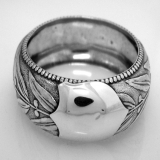 .Laurel Leaf Berry Napkin Ring Beaded Edge Coin Silver 1860