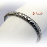 Eternity Ring Floral Embossed Decorations 18 K White Gold