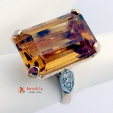 Vintage Retro Citrine Cocktail Ring 14 K Gold Diamonds
